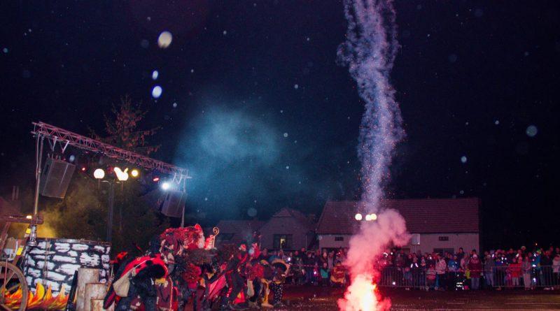 2. 12. 2018 Rozsvícení vánočního stromu